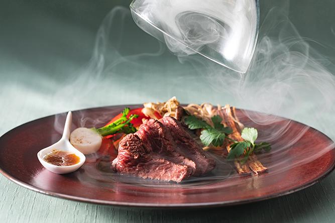 特選牛肉のステーキ
